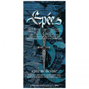 Épée médiévale sur sa carte personnalisée