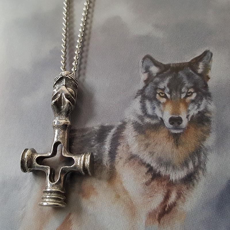 Pendentif Croix du Loup